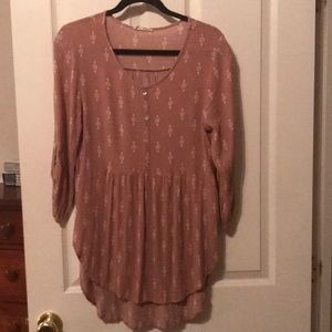 Millibon USA Dusty rose colored blouse